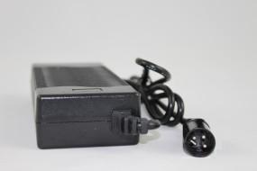 29,2V 1,8A LiFePo4 Ladegerät XLR Stecker ohne Lüfter