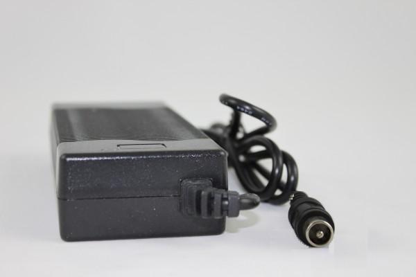 42V 2A Ladegerät Cinch Stecker ohne Lüfter